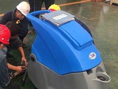 山东青岛科尼乐机械厂采购拓成洗地机